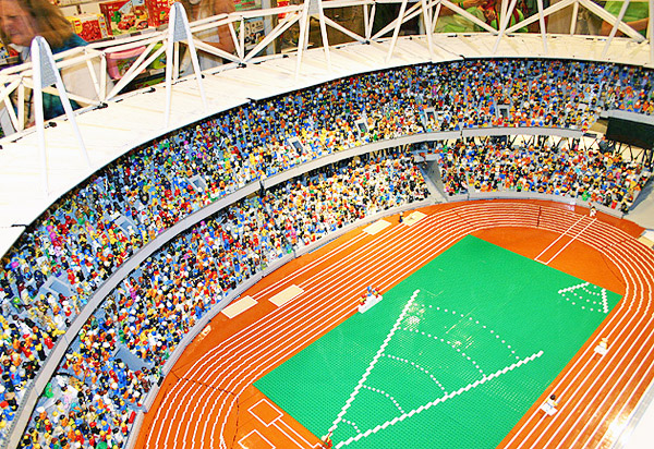 London-Olympic-2012-Stadium-LEGO