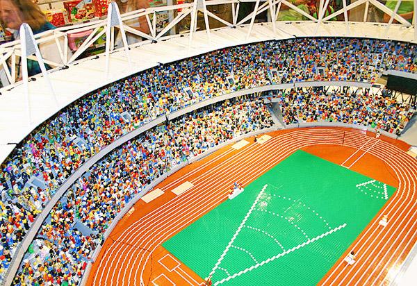 London-Olympic-2012-Stadium-LEGO